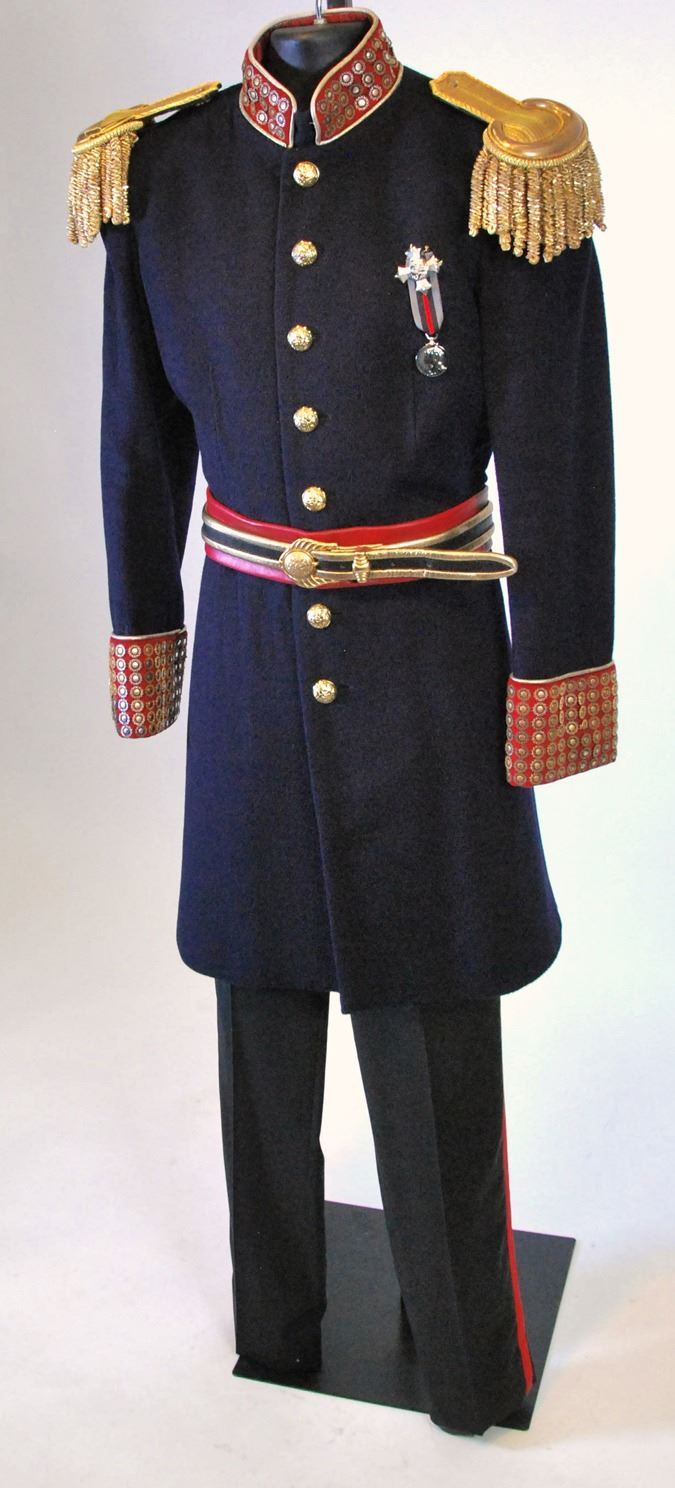 Captain Nemo uniform ensemble from Once Upon a Time Season 6 Episode 6. 1